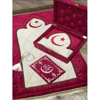 Книга Корана со смыслом на узбекском языке и молитвенный коврик (красный)